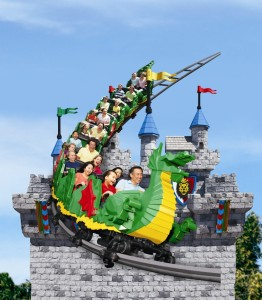 Dragon Coaster_Asian Family