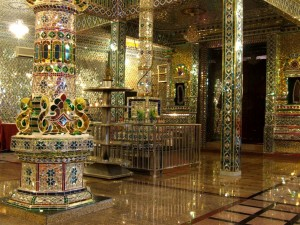 GLASS TEMPLE 16 (Large)